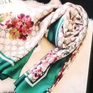 Gucci scarf ,180 x 90 cm ,100% silk